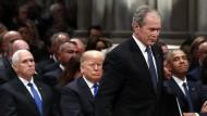 George W. Bush bei der Trauerfeier für seinen Vater George H.W. Bush