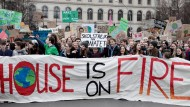 "Klimaschutz-Demonstration von ""Fridays for Future"" in Berlin"