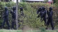 Polizisten in Landsberg in der Nähe von Halle