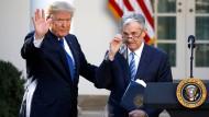 Amerikas Präsident Donald Trump mit Fed-Chef Jerome Powell
