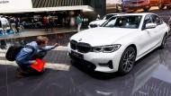 Das Interesse bleibt, doch Umsatz, Gewinn, Marge und Dividende von BMW sinken.