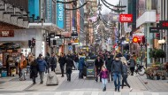 In ernster Lage: Passanten in Stockholm