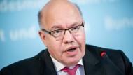 """Wirtschaftsminister Peter Altmaier (CDU) sagte, das """"sehr liberale"""" Außenwirtschaftsrecht werde mit Blick auf deutsche Sicherheitsinteressen nachgeschärft."""