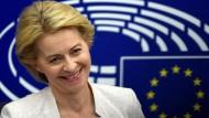 Grund zur Freude: Ursula von der Leyen strahlt nach der Bekanntgabe der Wahlergebnisse.