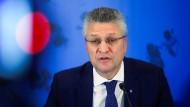RKI-Chef Lothar Wieler auf einer Pressekonferenz in Berlin