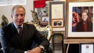Behgjet Pacolli, Außenminister des Kosovos, hat Peter Handke scharf kritisiert.