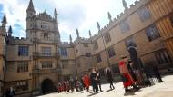 """Die nächste Stufe im """"Kulturkrieg"""" an englischen Universitäten"""