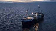 """Das deutsche Rettungsschiff """"Alan Kurdi"""" fährt seine achte Mission in diesem Jahr."""