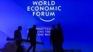 Auf dem Weltwirtschaftsforum in Davos treffen sich jedes Jahr die Reichen und Mächtigen der Welt. Zumindest die meisten von ihnen.