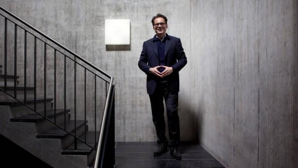 Roger Köppel - der Schweizer Verleger und Journalist leitet als Chefredakteur