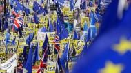 Auch wenn in London noch gegen den Brexit demonstriert wird, bereitet sich die EU auf das Schlimmste vor (Symbolbild).