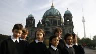 Sie dürfen auch nicht gemeinsam singen: Jungen des Berliner Staats-und Domchores.