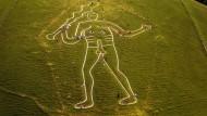 Zwerge auf Schultern und Penis von Riesen: Der fünfundfünfzig Meter hohe Gigant von Cerne Abbas in Dorset wird im Schnitt alle zehn Jahre neu gekalkt.