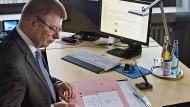 """""""Brauchen wir diesen Verfassungsschutz?"""": Thomas Haldenwang, Präsident des Bundesamtes für Verfassungsschutz"""
