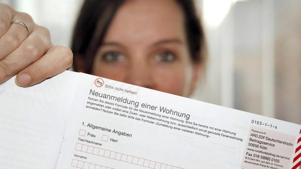"""© WDR/Linda Meiers """"Schon GEZahlt?"""" So lautete früher der Slogan des jetzt so genannten """"Beitragsservice"""" von ARD und ZDF. Witzig ist das nicht gemeint. Wer nicht zahlt, dem drohen Sanktionen."""