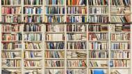 Digitale Bibliothek: Mal sehen, was in Umberto Ecos Büchern steht