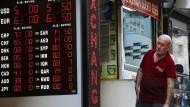 Am Freitag hat die türkische Lira gegenüber dem Dollar wieder an Wert verloren.