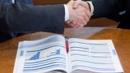 Kunden zu beraten, könnte für Finanzvermittler in Zukunft noch aufwändiger werden.
