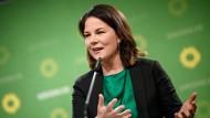 Grünen-Ko-Vorsitzende Baerbock offen für Stärkung der Bundeswehr