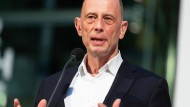 """""""Wir müssen zu klaren, stabilen Verhältnissen kommen"""", sagt Wolfgang Tiefensee."""