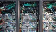 Mit solchen Hochleistungscomputern werden neuronale Netzwerke berechnet.