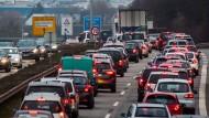 """Die Wissenschaftler fordern eine """"nachhaltige Verkehrswende""""."""