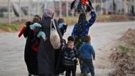 Syrische Flüchtlinge im Februar an der türkischen Grenze