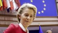 EU-Kommissionspräsidentin Ursula von der Leyen am 27. April im Europäischen Parlament in Brüssel