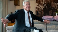 Alt-Bundespräsident Joachim Gauck beim F.A.Z.-Interview im Oktober in Waren