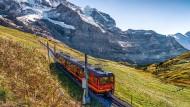 Wirtschaftsfaktor Jungfraubahn: Der Bahnbetrieb ist der größte Arbeitgeber in der Region.