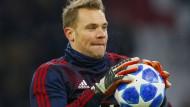 Manuel Neuer ist optimistisch, dass seine Verletzung bis zum Liverpool-Hinspiel auskuriert ist.
