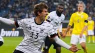 Ein Knall am Ende: Thomas Müller jubelt über das 2:1 gegen Rumänien.
