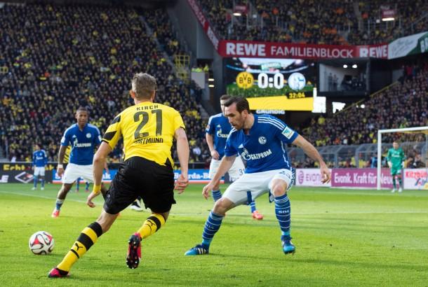 Bvb Besiegt Schalke Im Bundesliga Revier Derby Mit 3 0