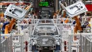 Im Wandel: Blick in das Volkswagen-Elektroauto-Werk in Zwickau