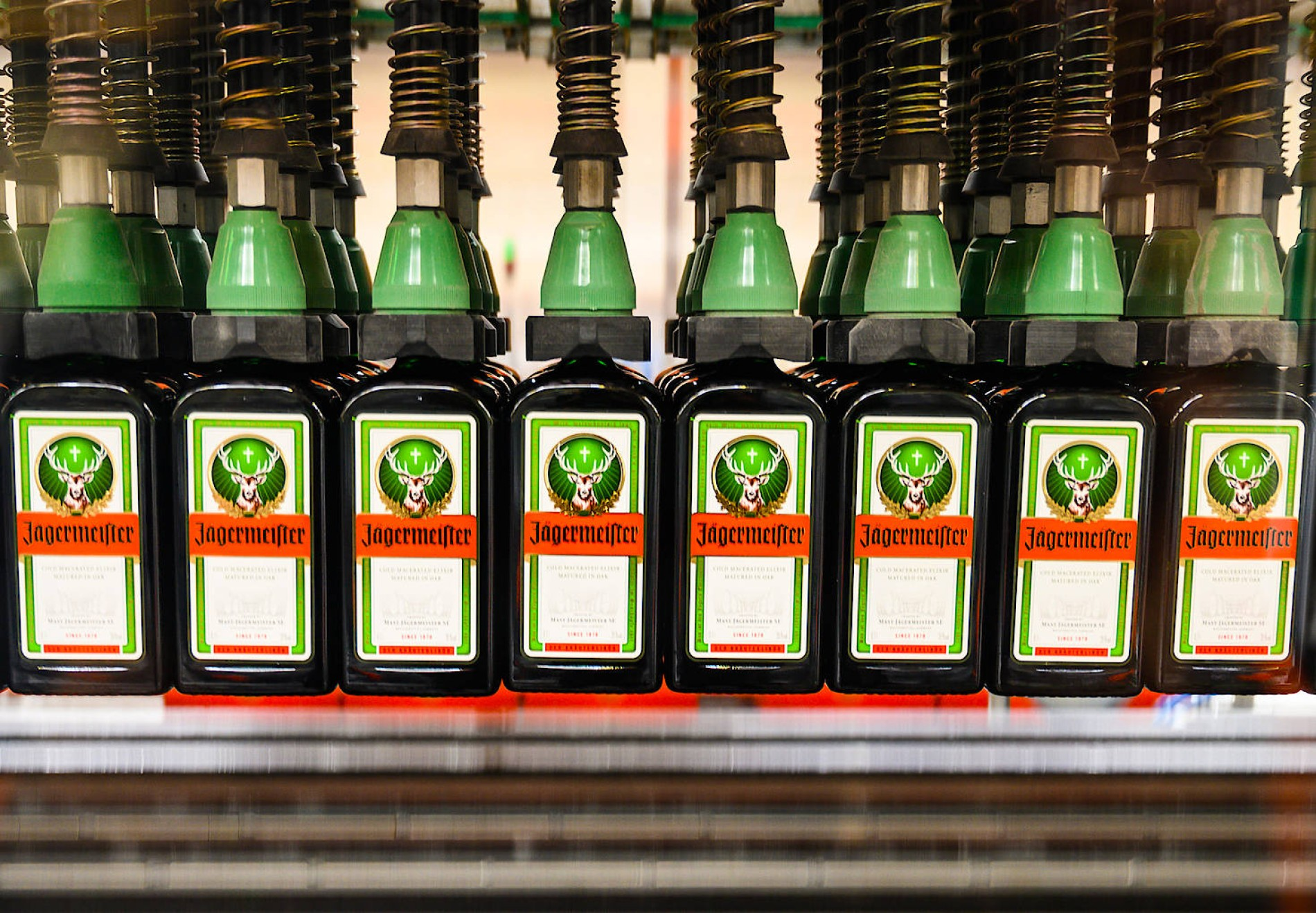 corona jagermeister liefert alkohol