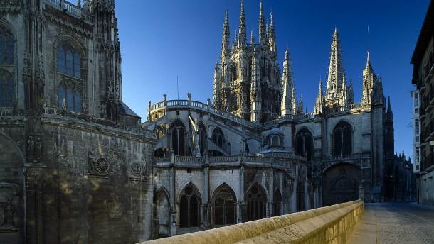 © Arcaid/Masterfile Alt, mächtig, umstritten: Die Kathedrale von Burgos