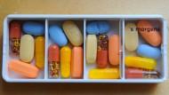 Kombinationstherapie: Tablettencocktail eines an Aids erkrankten Patienten.