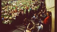 Aus dem Zeitalter der Präsenzuniversität: Kein Abstand nirgends