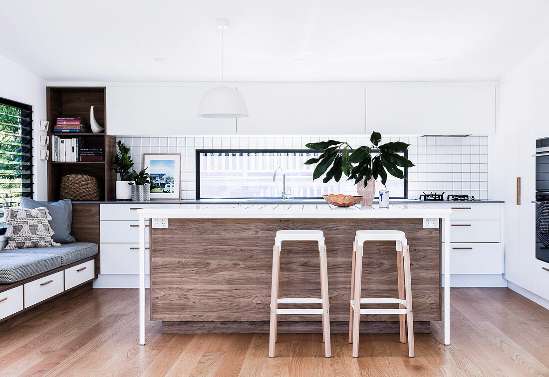 Open Kitchen With Kitchen Island And Bar Buy Image 12487171 Living4media