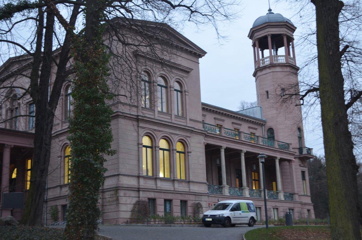 """Streit um Galeriearbeit: Verein """"Freunde Schloss Biesdorf"""" fordert"""