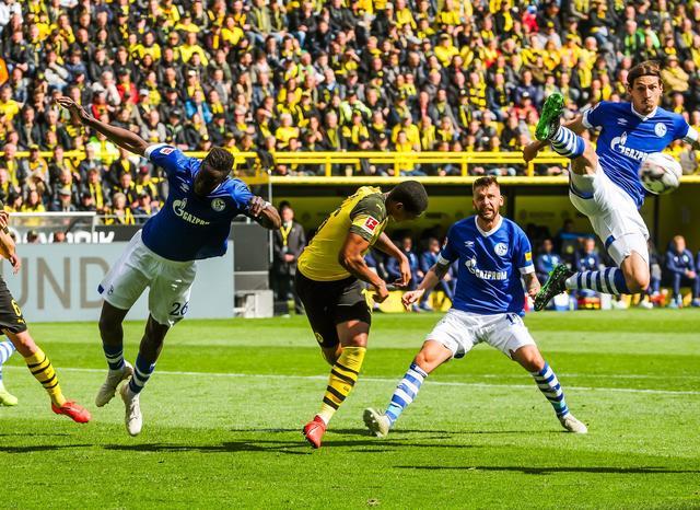 Revierderby Findet Ohne Fans Statt Bvb Gegen Schalke Wird Wegen