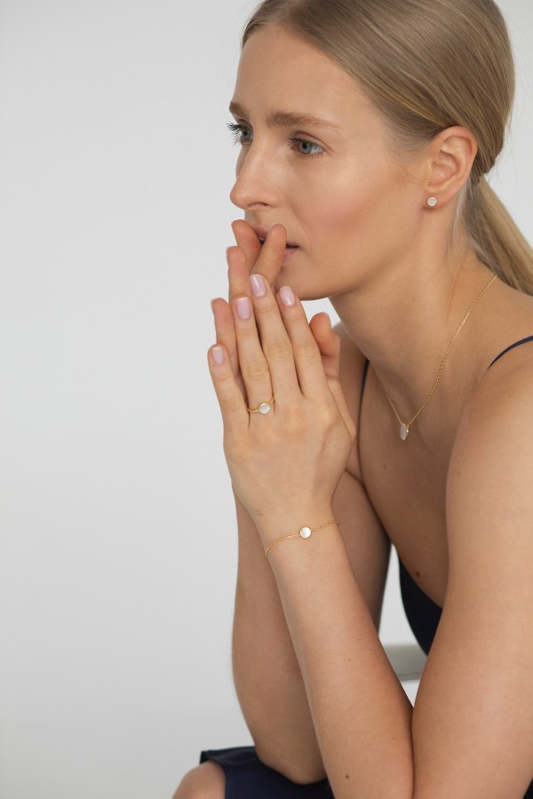 Mother of pearl gold ring