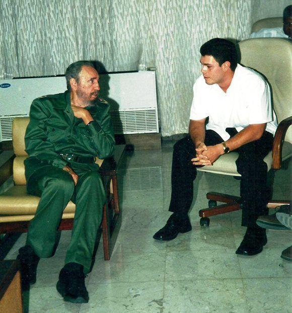 https://i2.wp.com/media1.cubadebate.cu/wp-content/uploads/2017/11/Fidel-y-Fide-conversando-editada-580x622.jpg