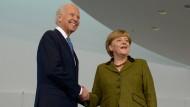 Bundeskanzlerin Angela Merkel empfängt im Kanzleramt den damaligen US-Vizepräsidenten Joe Biden (Archivbild).