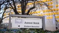 Immobilienfinanzierer: Aktivisten machen Druck auf Krisenfirmen