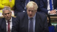 Johnson war nach dem Benn Act verpflichtet, bei der EU um eine weitere Verlängerung der Austrittsfrist um drei Monate zu bitten, sofern bis zum Samstag kein Deal gebilligt war.
