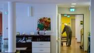 Teure Reform: Pflegebedürftigen wie hier in Schwäbisch Gmünd droht ein Kostenanstieg.