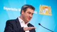 """""""Der Mai wird ein hellerer Monat"""": Der bayerische Ministerpräsident Markus Söder auf der Pressekonferenz nach der Kabinettssitzung am 27. April"""