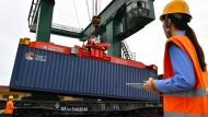 Kommentar zum Handelsabkommen: Die EU glaubt an den Markt, China an die Waffe
