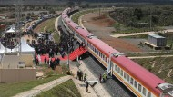 Ja, wohin fährt er denn: Der neue Bahnhof in Naivasha wird eröffnet.
